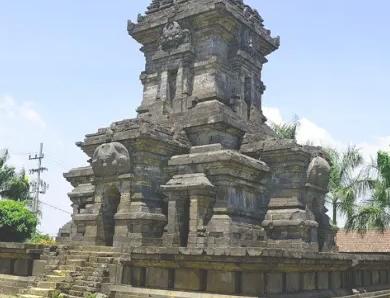 Kerajaan Singasari: sejarah, prasasti, keruntuhan, kehidupan politik